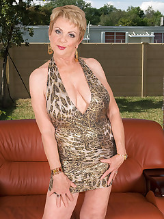 mom cougars pics
