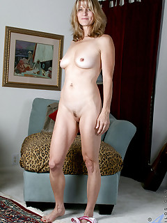 Aniloscom  Freshest mature women on the net featuring Anilos Berkley naked milf