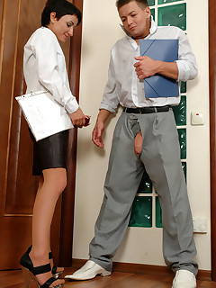 Heated secretary in classic pantyhose can't resist burning desire for sex