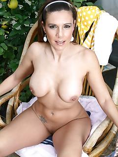 Aniloscom  Freshest mature women on the net featuring Anilos Victoria mature anilos