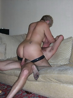 Amateur housewives really love fucking