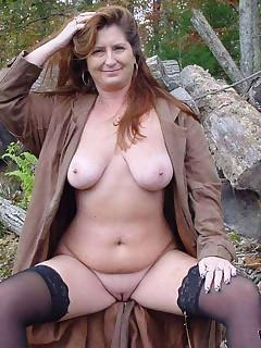 Naked amateur MILFs