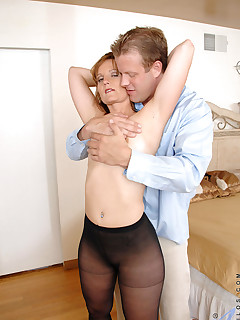 Aniloscom  Freshest mature women on the net featuring Anilos Sadie anilos fucker