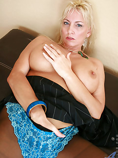 Aniloscom  Freshest mature women on the net featuring Anilos Cala Craves real milf