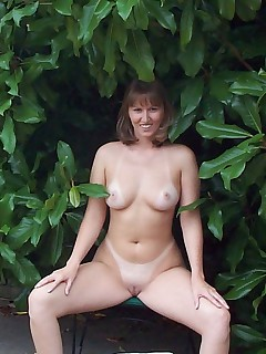 Big mature saggy boobies Dont you just want to motor boat those tits