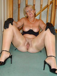 Horny mature lady in some sexy fish nets To bad the only fish those will catch is hers