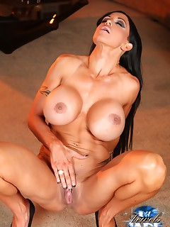 Muscle Goddess Jewels Jade strips and flexes her hot toned body