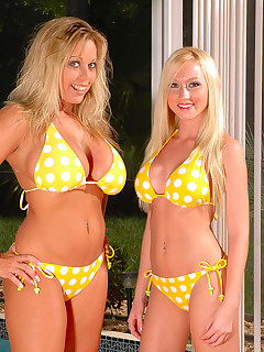 Amber and Madison Scott in sexy bikinis