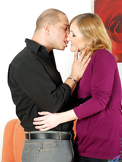 Aniloscom  Freshest mature women on the net featuring Anilos Jarka mature wife