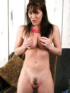 Aniloscom  Freshest mature women on the net featuring Anilos Rayveness big anilos tit