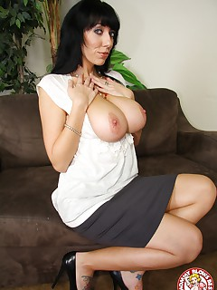 Busty MILF Alia Janine gets hard cock in her mouth
