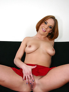 Firey hottie with shaved pussy fucked and facialed