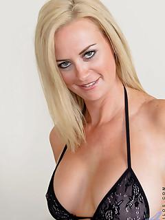 Aniloscom  Freshest mature women on the net featuring Anilos Camryn Cross milf nextdoor