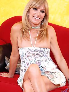 Aniloscom  Freshest mature women on the net featuring Anilos Jessica Sexxxton anilos nude