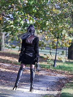 Miss Hybrid Pussy In Wet Leather Boots Catwalk Outdoors