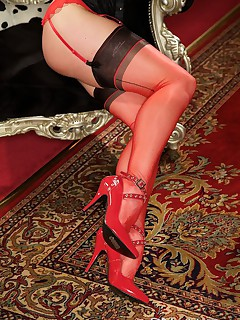 I love the feel of my fully fashioned nylons
