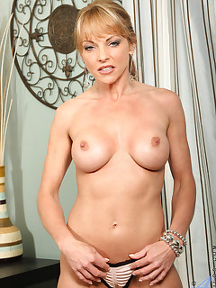 Aniloscom  Freshest mature women on the net featuring Anilos Shayla Laveaux milf nextdoor