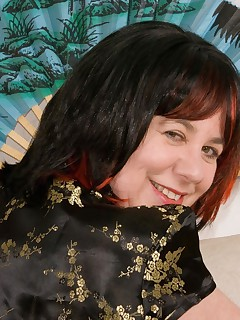 Hi Guys I was feeling Hot  Horny and in the mood for something different for this shoot so I put on my Chinese Dress and went for an Oriental Theme I hope you all enjoy Speedybee  x x x