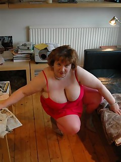 One of my horny members was really keen to see me dressed up in pink from top to toe so he sent me this pink bikini to wear for him I added some pink stockings and my dusty pink ankle boots and my bright pink vibrator I pose for you in my front room before I open my legs nice n wide and push my bright pink vibrator deep deep inside myselfmmmmmmm