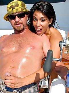 Milfhunter Angelina Offshore Booty