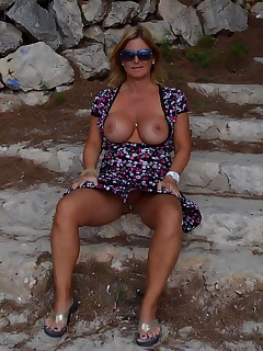 I discovered this nice place in Mallorca Its near Cap Formentor There were not so many people there so I could show boobs and pussy