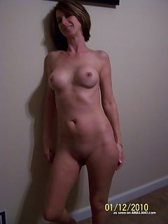 Photo gallery of a kinky housewife getting naughty with her hubby on cam