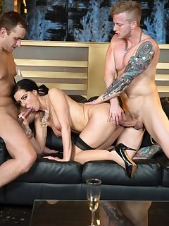 Anal Virgin Alexis Crystal in a Wild Orgy With Texas Patti