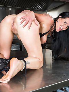 Gorgeous German Hottie Texas Patti Milf Addicted to DP