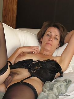 mom in bedroom pics