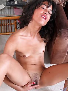 Aniloscom  Freshest mature women on the net featuring Anilos Penelope naked anilos