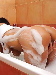 Aniloscom  Freshest mature women on the net featuring Anilos Chelsea naughty anilos
