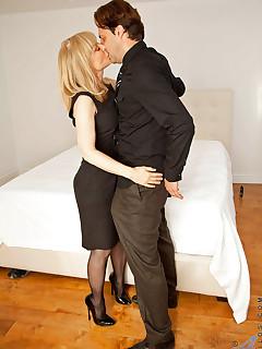 Aniloscom  Freshest mature women on the net featuring Anilos Nina Hartley hot mature