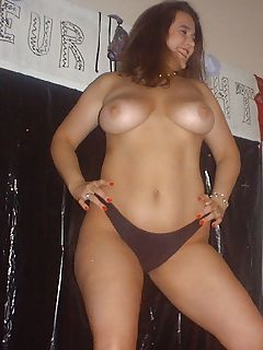 Naked housewife stripping and posing like a Hooters girl