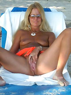 beach milf with solid nips