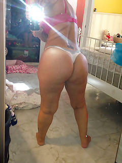 latina milfs ass