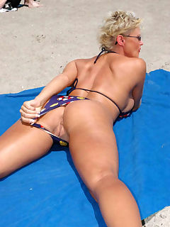 bikini milf more in comments
