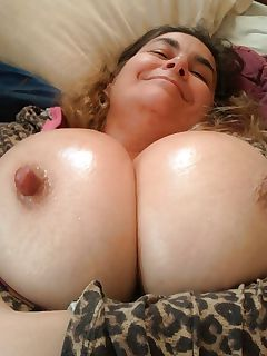australian milf with amazing huge tits blupr on xhamster