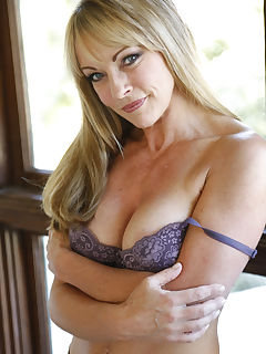 You know what they say The older the wetter and this MILF Shayla LaVeaux is dripping honey everywhere just looking at our huge cock She grabs our giant slab of meat and sucks it a bit before stretching her hot pussy wide Shayla groaned the whole time we fucked her hole and shooting ropes into her hungry mouth