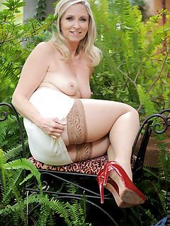 Aniloscom  Freshest mature women on the net featuring Anilos Annabelle Brady anilos mom