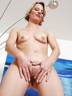 Aniloscom  Freshest mature women on the net featuring Anilos Daniela mature sex
