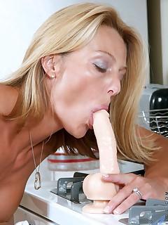 Aniloscom  Freshest mature women on the net featuring Anilos Brenda James horny mature