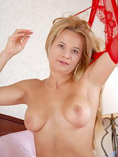Aniloscom  Freshest mature women on the net featuring Anilos Viktoria hot milf