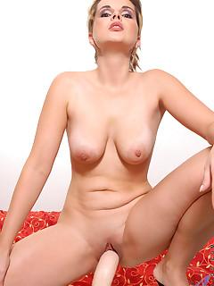 Aniloscom  Freshest mature women on the net featuring Anilos Anuska anilos jobs