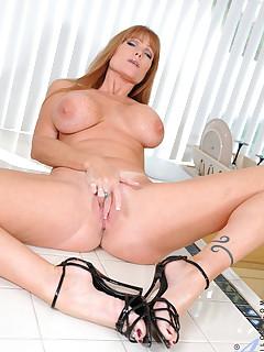 Aniloscom  Freshest mature women on the net featuring Anilos Darla Crane real anilos